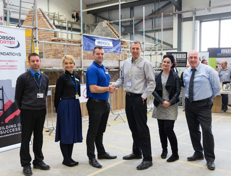 hundreds-of-construction-students-set-to-benefit-from-new-scheme-thanks-to-hull-firm